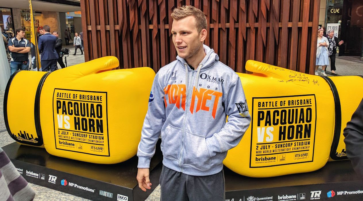 Jeff_Horn_-_Giant_Gloves.jpg